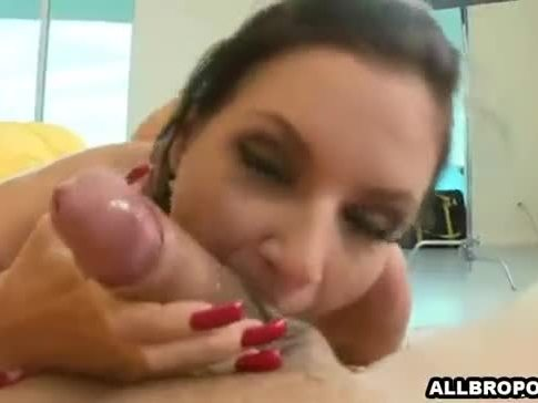 Hot brunete make a guy cum with her feet